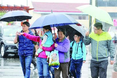 青岛全市普降中到大雨 崂山部分地区出现暴雨