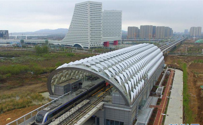 """青岛地铁11号线开通运营 """"山海泉林""""尽收眼底"""