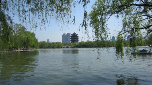 """春雨真给力,济南3天降雨量约合354个""""大明湖""""!"""