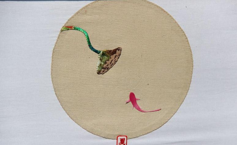 淄博非遗女传承人免费收学员 布堆画展民俗魅力