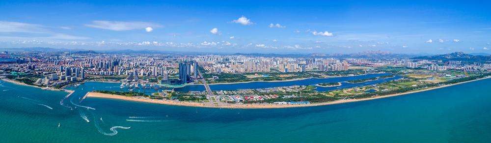 潍坊青州,青州古城在新年的曙光中熠熠夺目。