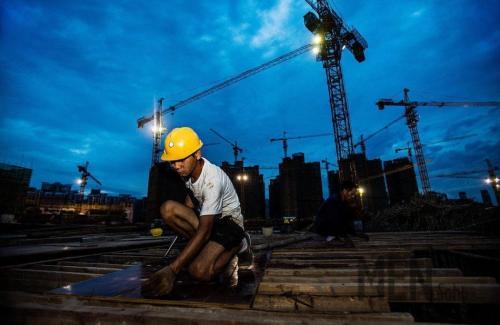 6月1日起,济南建筑农民工可以按月领工资啦!