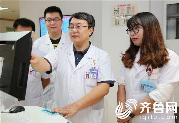 毓璜顶医院脊柱外科专家吕宏琳:倾心微创脊柱外科16年