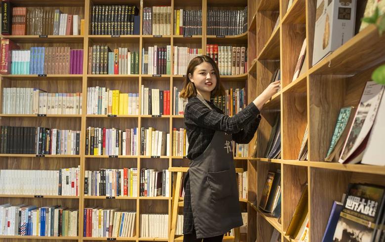 滨州各行业营业员微表情 女性居多还有大学生