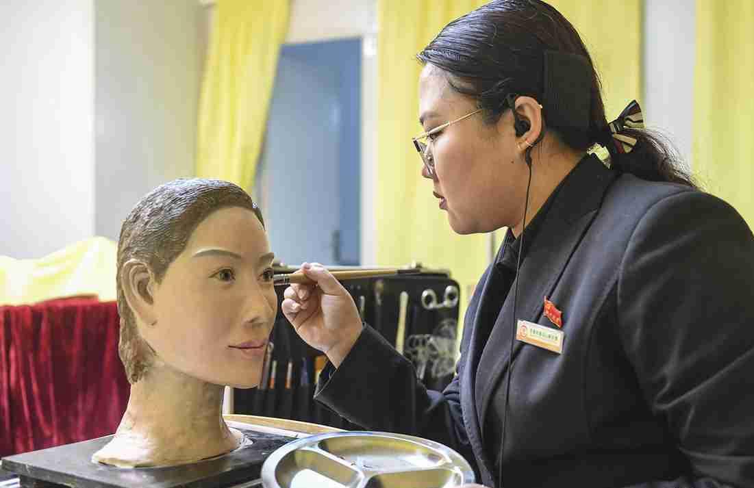 济南一殡仪馆遗体修复引3D打印技术体面告别人间