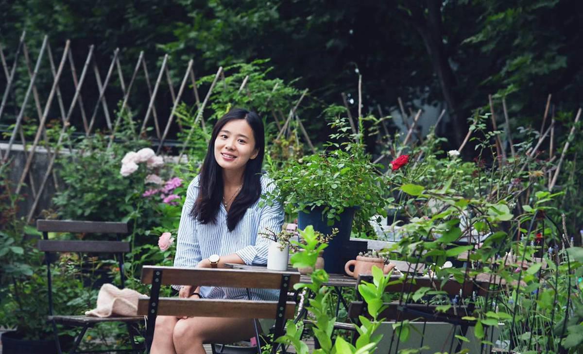 """2017年6月4日,武汉大学弘毅大道旁大学生创业实践中心的顶楼,藏着一处名叫""""珞家""""的花园。"""
