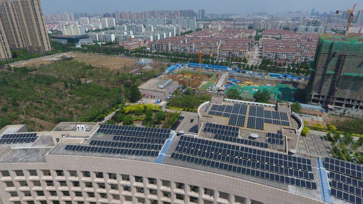 张店区政务中心正式用上光伏发电