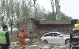 货车侧翻两人被困 利津消防紧急救援