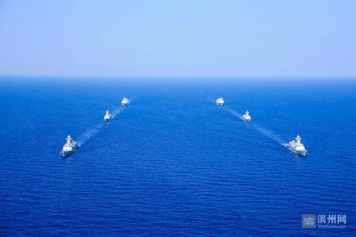 滨州舰所在第二十九批护航编队首次执行护航行动