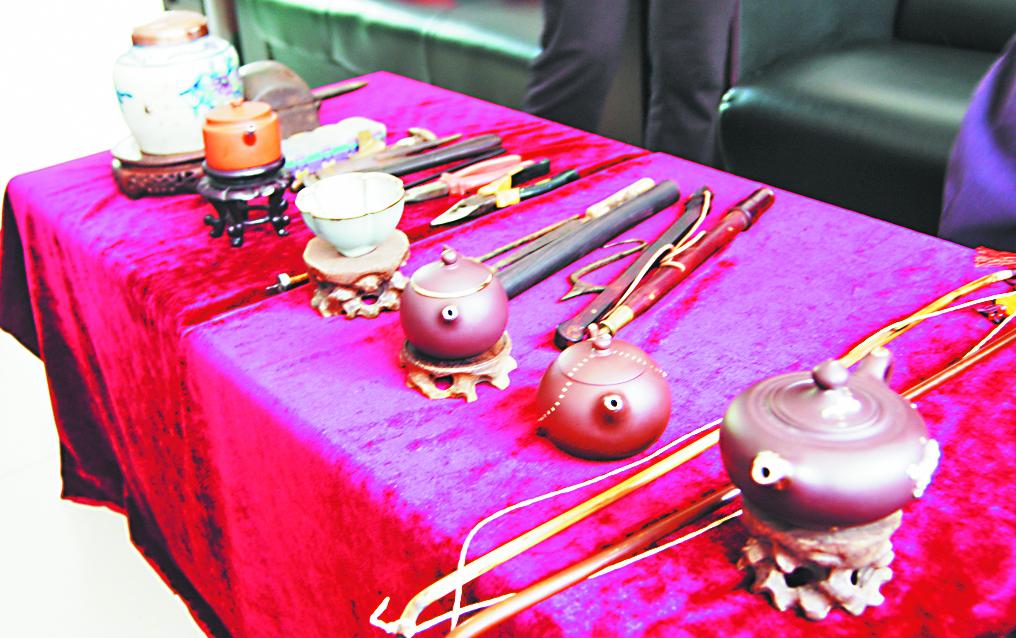 """淄川男子""""独门绝技""""让瓷器重生 相传始于宋代"""