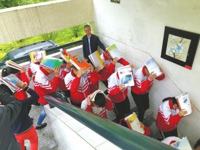 汶川映秀一中学灾害演练 千名学生5分钟全疏散