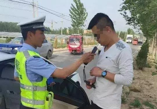 """聊城一男子""""二次酒驾""""被查,被行拘3天罚1000元吊销驾照"""