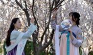 汉服风韵惊艳潮流 传统文化得到青年认可与挖掘