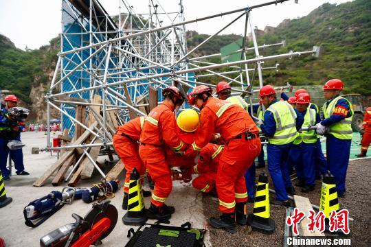 北京开展公路施工突发事件抢险处置综合应急演练