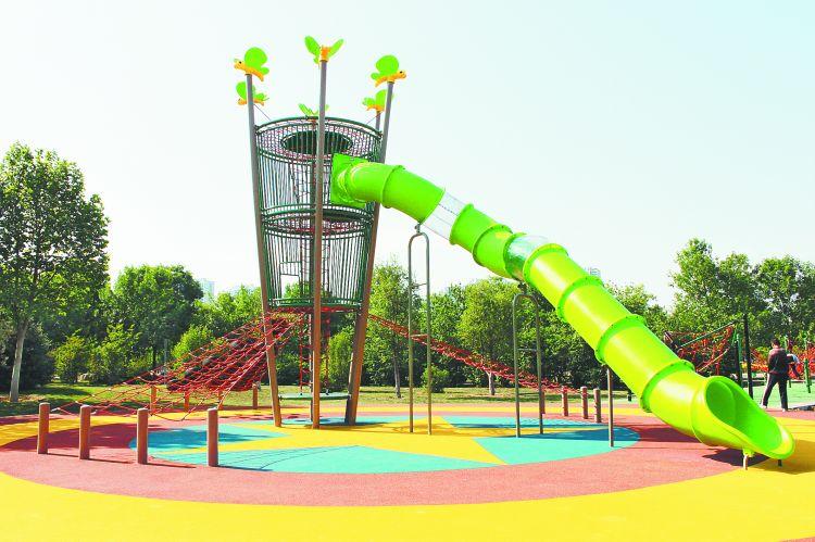 淄博市体育中心两处少儿活动设施建成投入使用