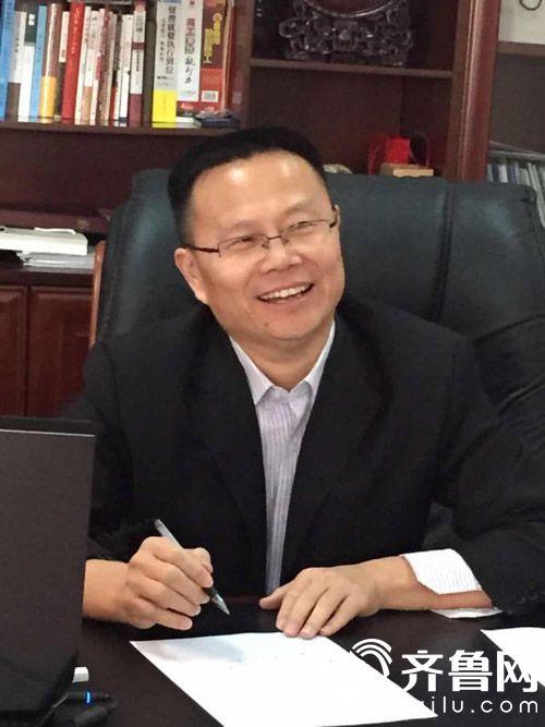 耀华集团董事长吴风耀