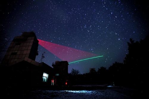 美大学校长撰文:量子技术竞赛中国已经领先 美需奋起直追