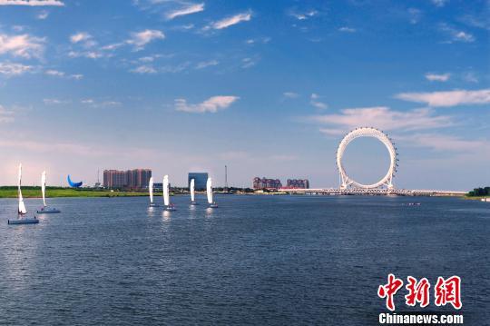 世界最大无轴式摩天轮在山东潍坊滨海区正式投用