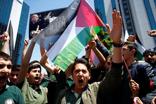 美使馆迁耶路撒冷激怒中东 巴以冲突已致数千人死伤