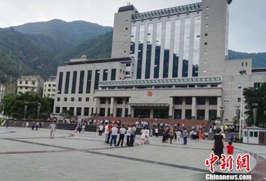 四川雅安4.3级地震无人员伤亡,国道108线已抢通