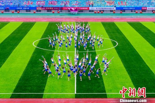 """湖北京山220余片网球场遍布城乡 """"贵族""""运动实现亲民"""