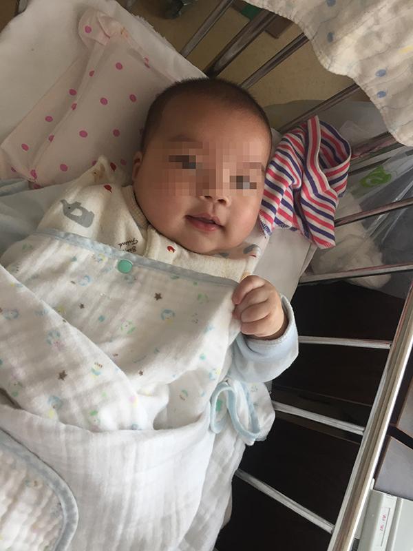 上海6个月大男婴遭两次遗弃 父亲:不会带 也没钱