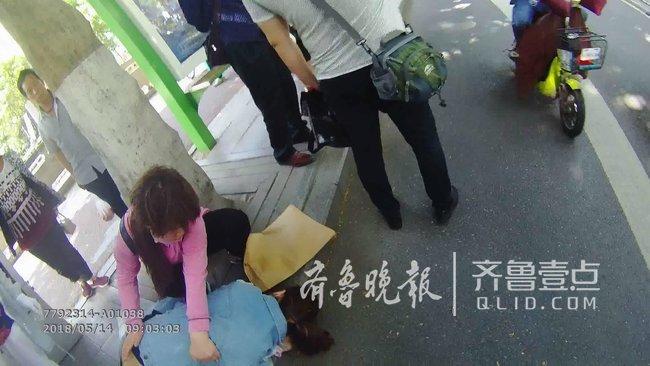 济南女子肾结石疼倒在医院门口,巡逻交警救助