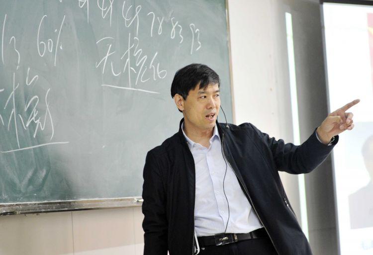 """教学27年,济南大学这位思政老师如何成""""网红"""""""