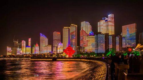 2.东线夜游线路:海信广场——万象城——五四广场——音乐广场