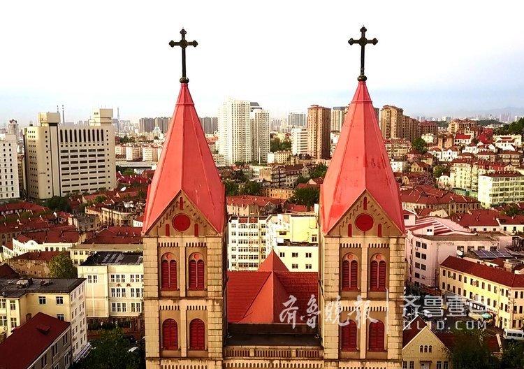 航拍建国前山东第一高——圣弥厄尔教堂