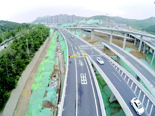 站台主体完工!济南燕山立交至领秀城的BRT8即将开跑