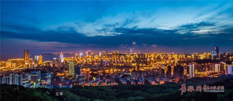 青岛CBD中央商务区华灯闪烁 夜景醉人(组图)