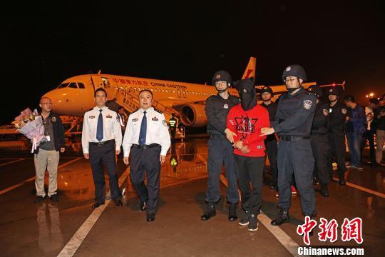 重庆警方捣毁特大跨境诈骗团伙 抓获嫌犯150余人