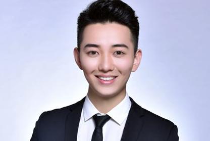 山东广播电视台主持人黄凯写真