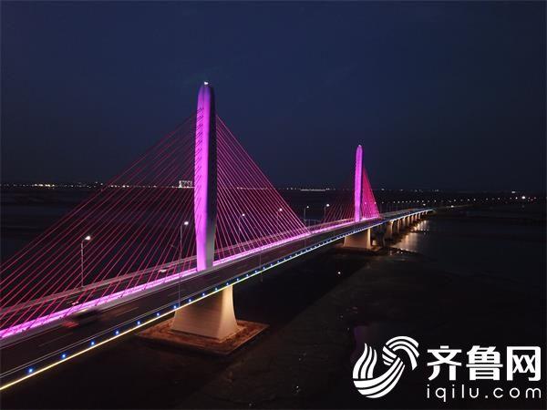 夜幕下的香水河大桥_看图王