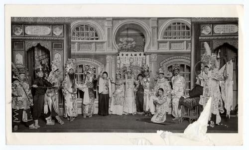 美国华人研究中国城剧院 重建被遗忘北美音乐史