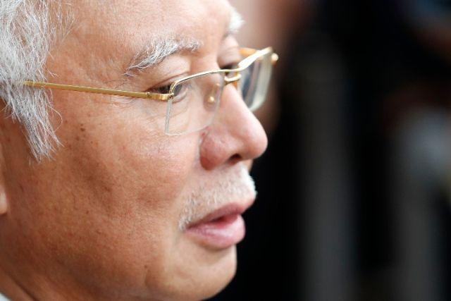 """调查""""一马案"""" 马来西亚警方搜出巨额现金"""