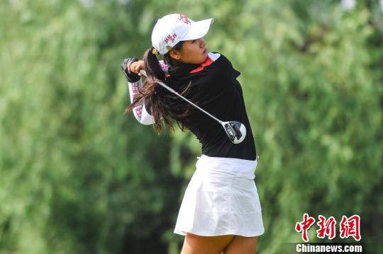 全国高尔夫系列赛北京站开赛 男女组首轮均出现并列领先