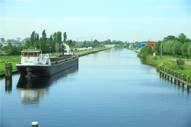 7、荷兰的运河四通八达