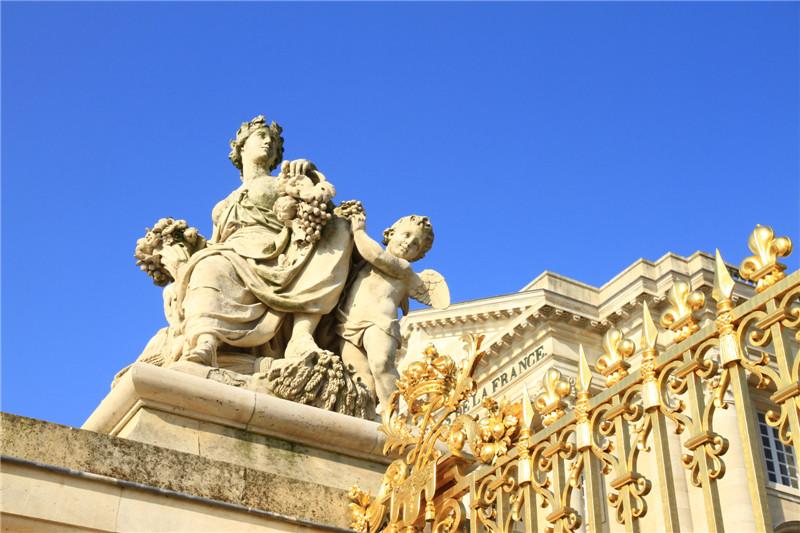 60、凡尔赛宫外的雕塑