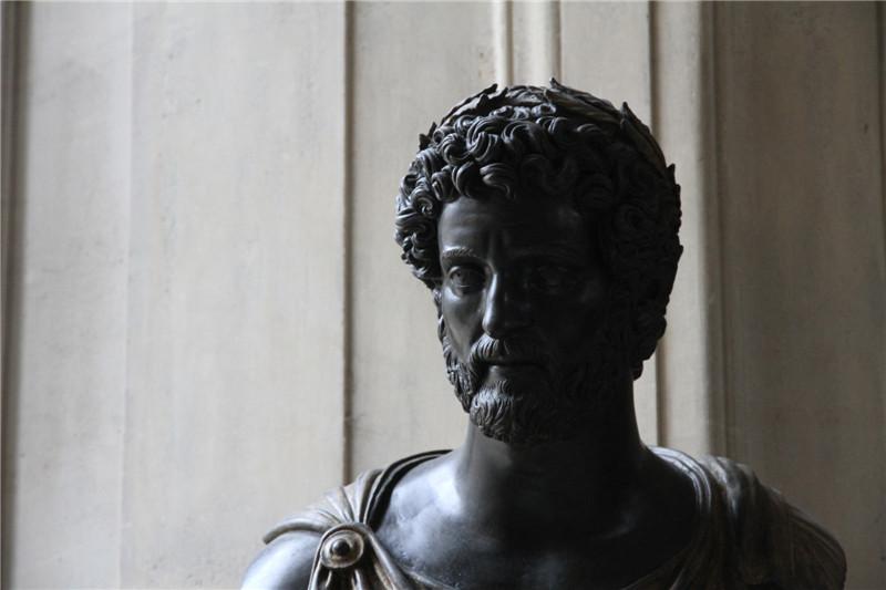 50、卢浮宫雕塑