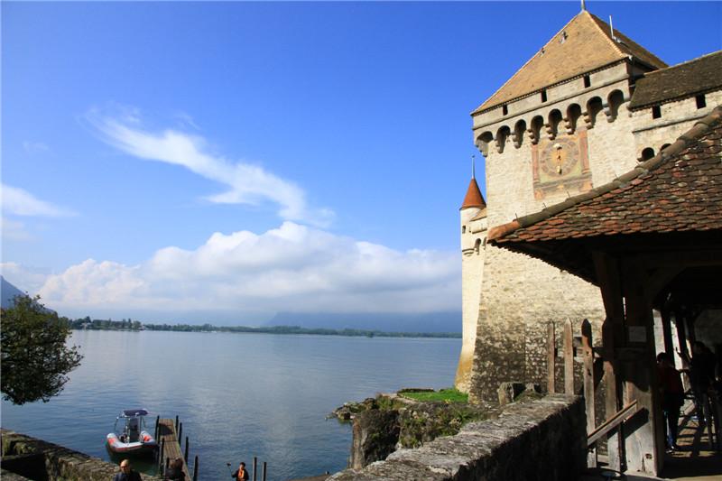 70、瑞士:坐落在莱茵湖畔的西庸城堡