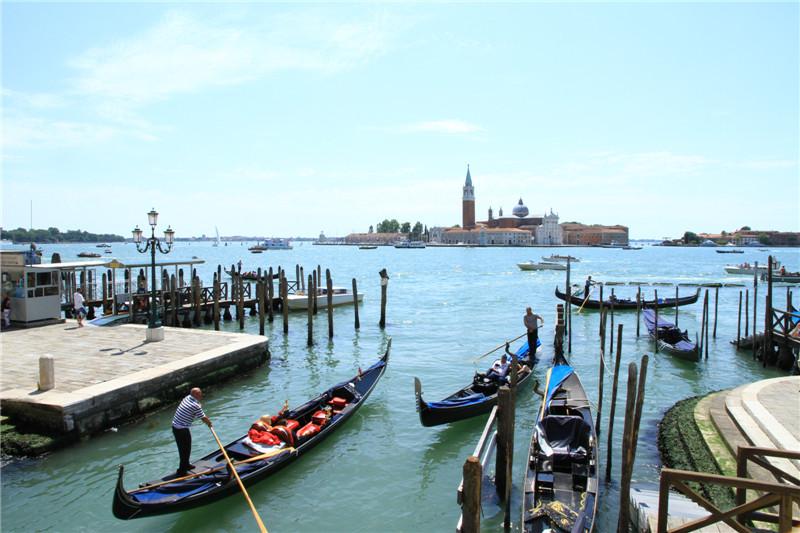 107、威尼斯的贡多拉船