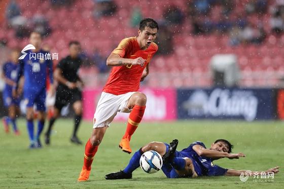 武磊梅开二度 热身赛中国客场2-0泰国取得两连胜