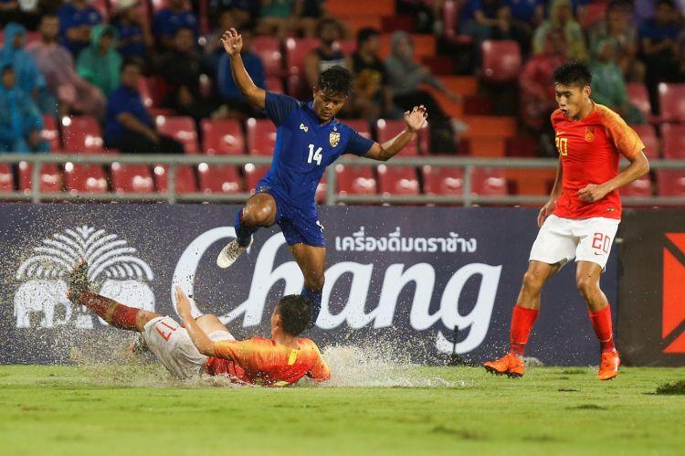 国足客场2:0复仇泰国:武磊两球,郑智完成国家队百场