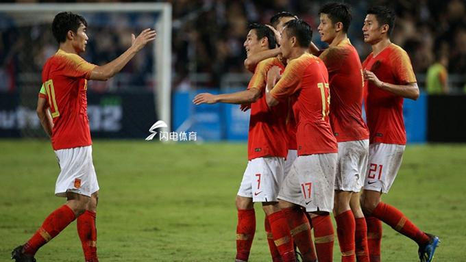 武磊梅开二度 中国男足2-0泰国队取得两连胜