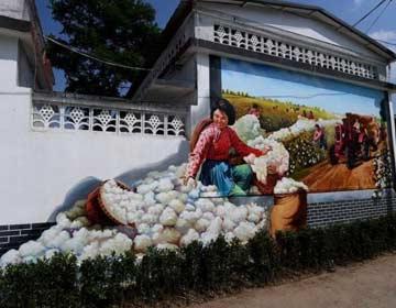 建设最美丽乡村 滨州壁画村再现热火朝天劳动场景