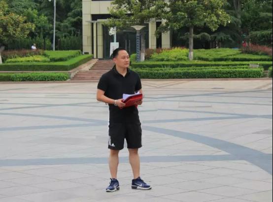 团委书记杨金波主持