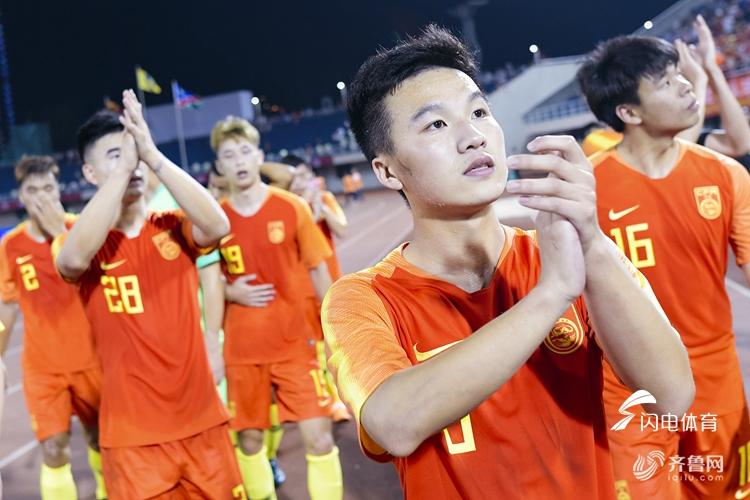 U23国足4-2取胜纳米比亚 鲁能小将均晟点射破门