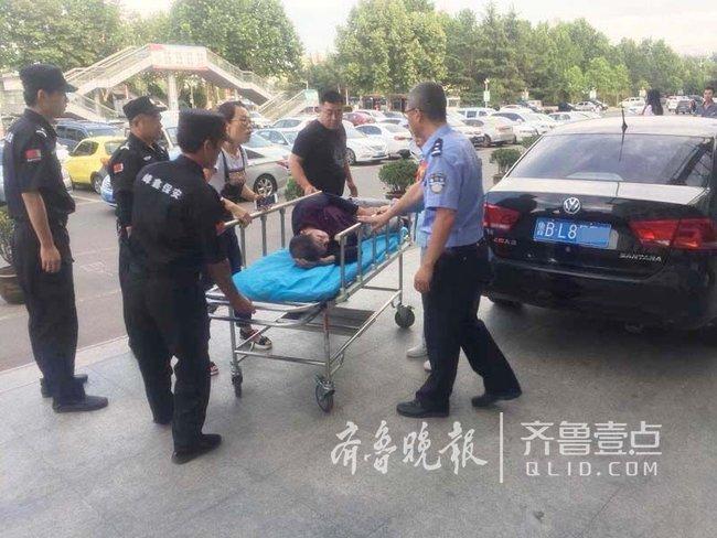 男子车祸送医途中被堵 交警护送40分钟路程仅用13分钟